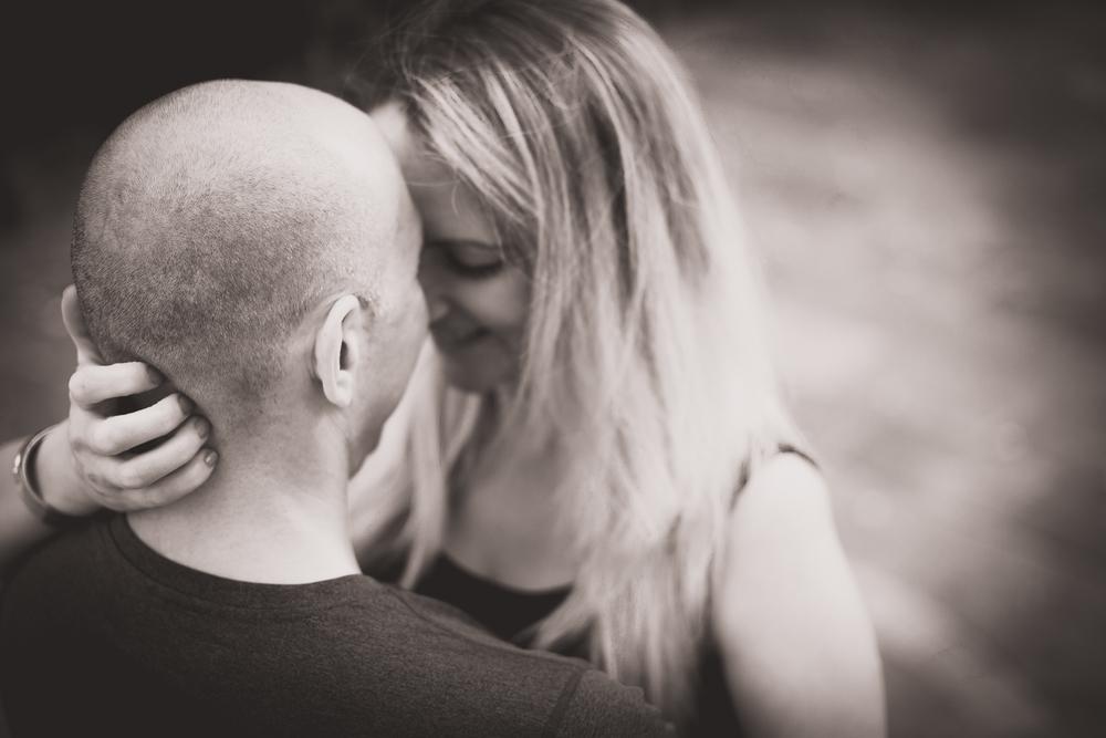 caroline-notting-hill-london-engagement-session-hampshire-wedding-photographer-17.jpg