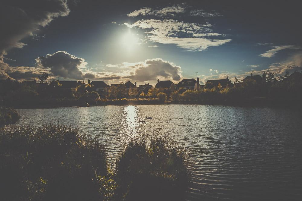 fleet-pond-elvetham-heath-hampshire-wedding-photographer-7.jpg