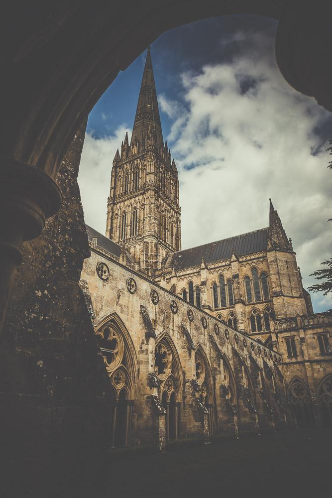 salisbury-cathedral-whiltshire-hampshire-wedding-photographer-1.jpg