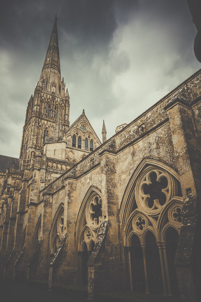 salisbury-cathedral-whiltshire-hampshire-wedding-photographer-6.jpg