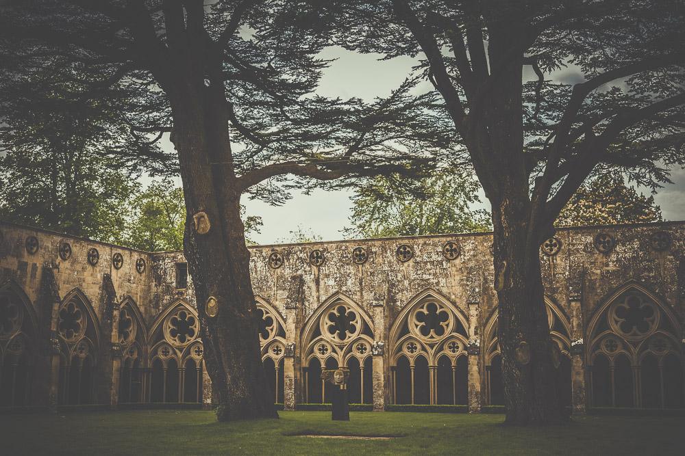 salisbury-cathedral-whiltshire-hampshire-wedding-photographer-9.jpg