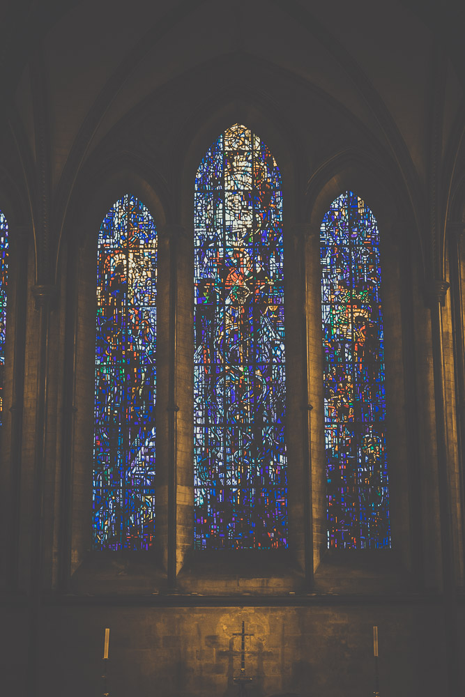 salisbury-cathedral-whiltshire-hampshire-wedding-photographer-12.jpg