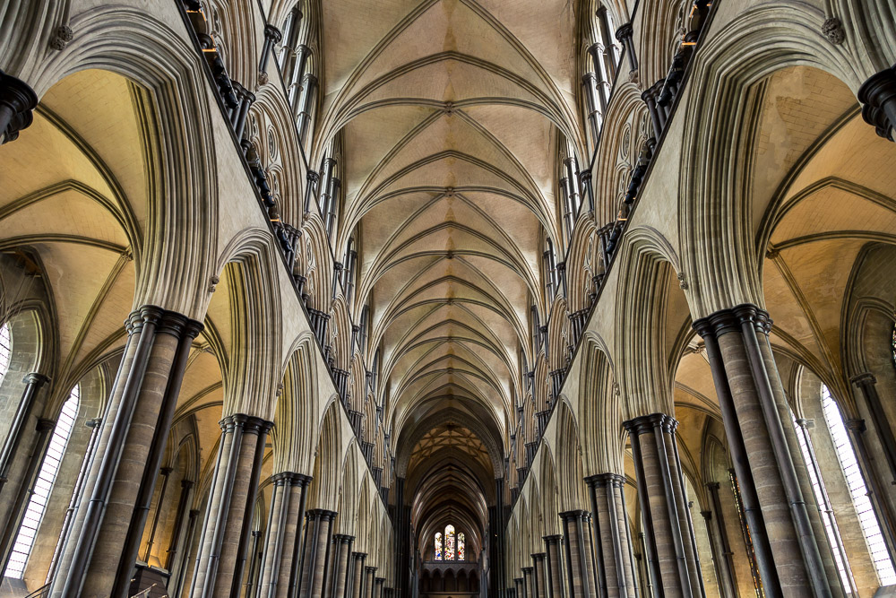 salisbury-cathedral-whiltshire-hampshire-wedding-photographer-17.jpg