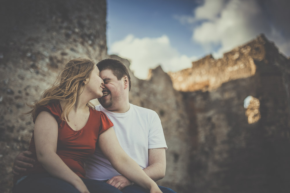 hannah-richard-portchester-castle-engagement-hampshire-wedding-photographer-12.jpg