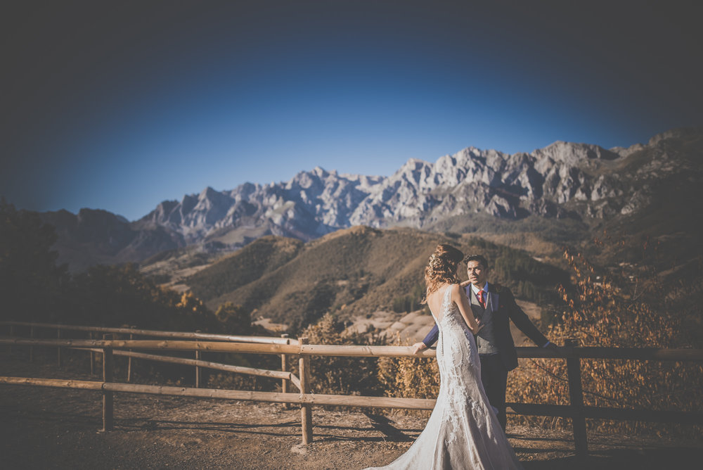 Artistic destination wedding photography