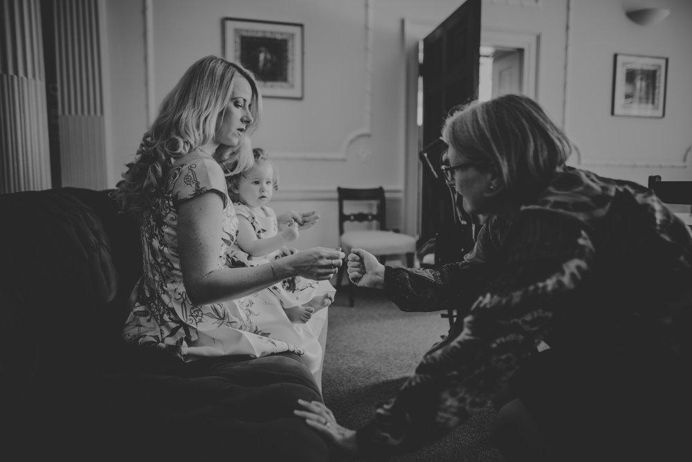 Karina-and-Gareth-wedding-basingstoke-register-office-manu-mendoza-wedding-photography-hampshire-026.jpg