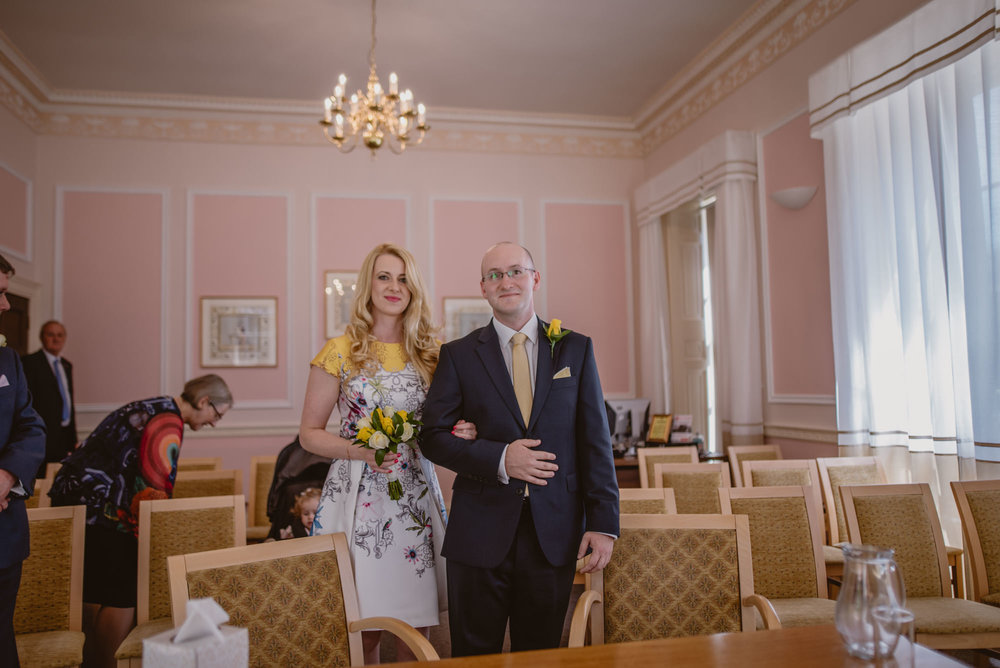 Karina-and-Gareth-wedding-basingstoke-register-office-manu-mendoza-wedding-photography-hampshire-046.jpg