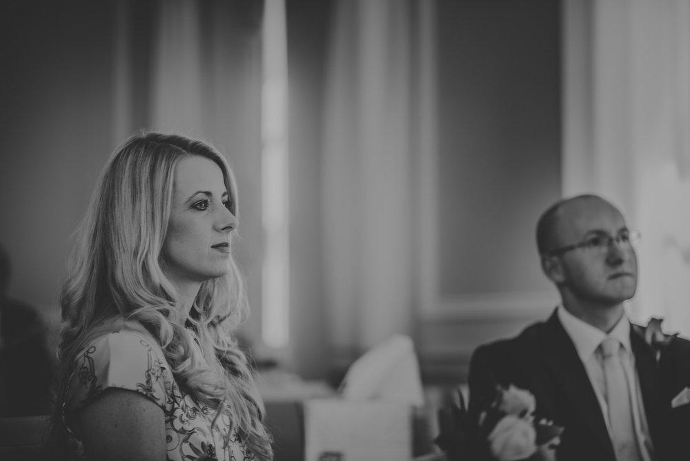 Karina-and-Gareth-wedding-basingstoke-register-office-manu-mendoza-wedding-photography-hampshire-048.jpg