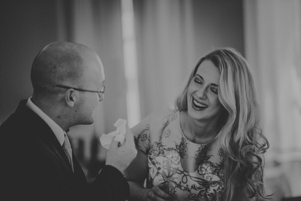 Karina-and-Gareth-wedding-basingstoke-register-office-manu-mendoza-wedding-photography-hampshire-077.jpg