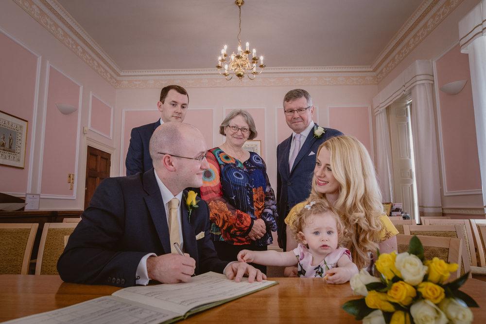 Karina-and-Gareth-wedding-basingstoke-register-office-manu-mendoza-wedding-photography-hampshire-101.jpg