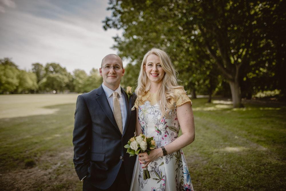 Karina-and-Gareth-wedding-basingstoke-register-office-manu-mendoza-wedding-photography-hampshire-112.jpg