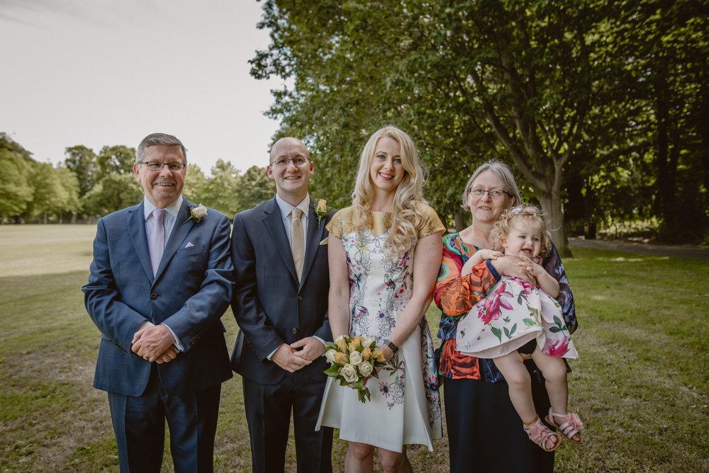 Karina-and-Gareth-wedding-basingstoke-register-office-manu-mendoza-wedding-photography-hampshire-122.jpg