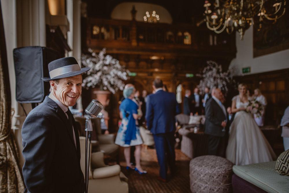 Hannah-and-James-Wedding-Danesfield-Place-Buckinghamshire-Manu-Mendoza-Wedding-Photography-352.jpg