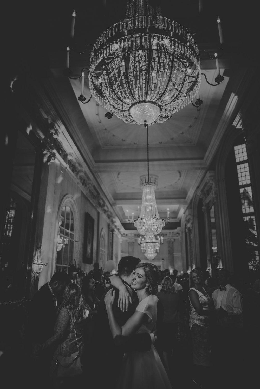 Hannah-and-James-Wedding-Danesfield-Place-Buckinghamshire-Manu-Mendoza-Wedding-Photography-599.jpg