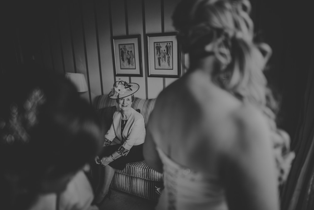 Trisha-and-Roger-wedding-The-Priory-Church-and-Chewton-Glen-Hotel-Christchurch-Manu-Mendoza-Wedding-Photography-058.jpg