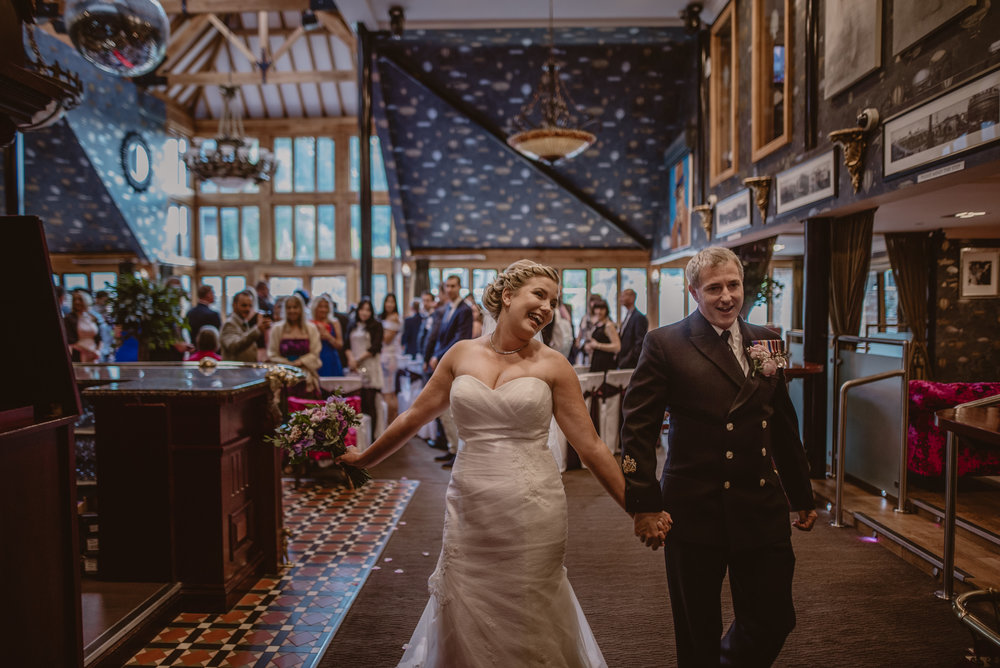 Chantelle-and-Stephen-Old-Thorns-Hotel-Wedding-Liphook-Manu-Mendoza-Wedding-Photography-251.jpg