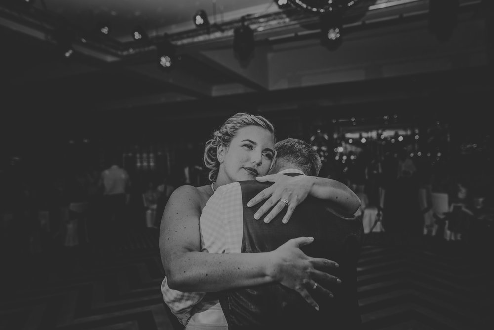 Chantelle-and-Stephen-Old-Thorns-Hotel-Wedding-Liphook-Manu-Mendoza-Wedding-Photography-546.jpg