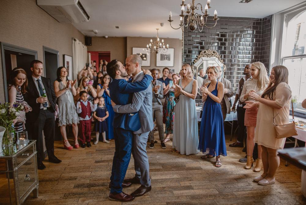 Rhys-and-Alex-Wedding-in-London-Manu-Mendoza-Wedding-Photography-434.jpg