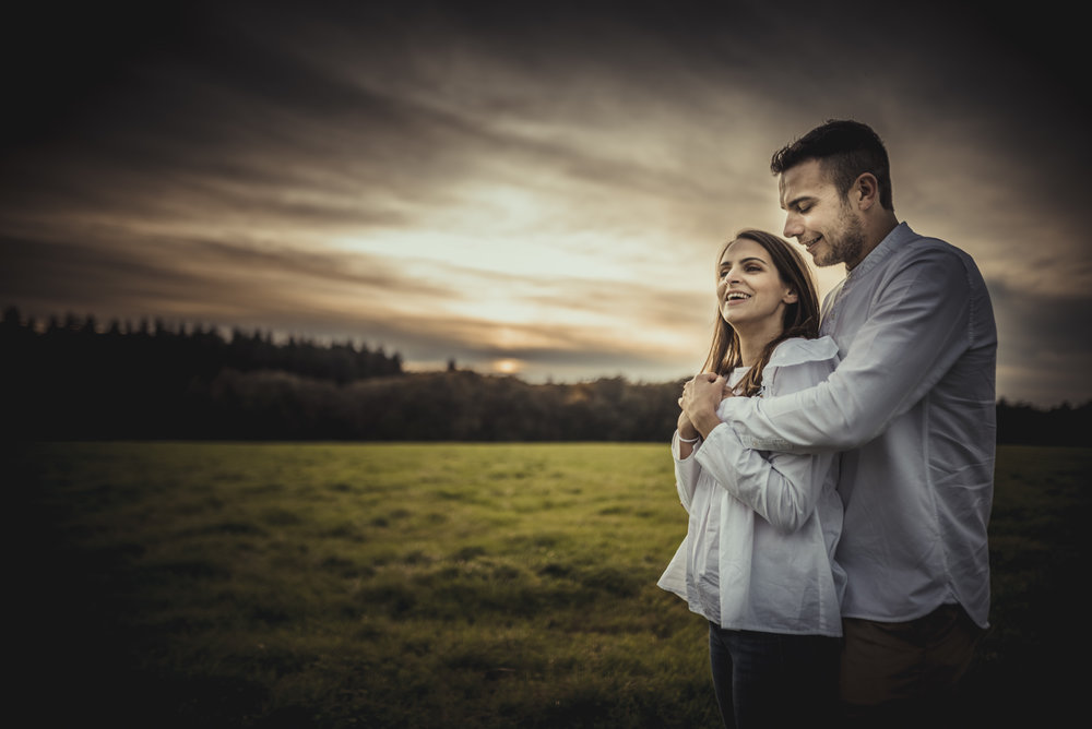 Emma-and-Jon-engagement-session-Fair-Oak-Manu-Mendoza-Wedding-Photography-053.jpg