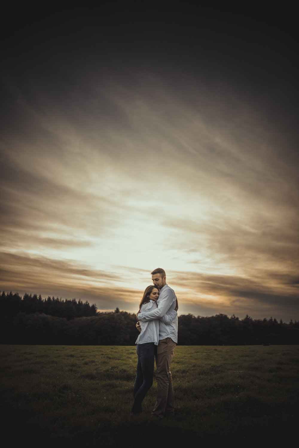 Emma-and-Jon-engagement-session-Fair-Oak-Manu-Mendoza-Wedding-Photography-066.jpg