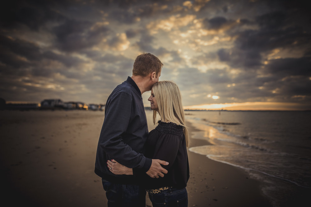 Trisha-and-Robert-Engagement-session-Sandbanks-beach-Poole-Manu-Mendoza-Wedding-Photography-011.jpg