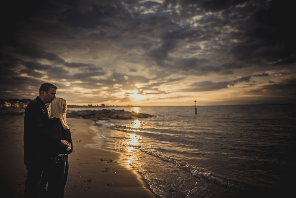 Trisha-and-Robert-Engagement-session-Sandbanks-beach-Poole-Manu-Mendoza-Wedding-Photography-031.jpg
