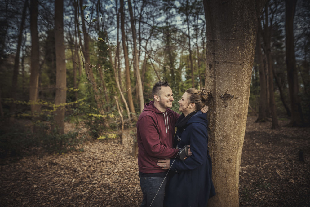 Hannah-and-Sam-Engagement-Sesion-in-Fleet-Pond-Hampshire-Manu-Mendoza-Wedding-Photography-019.jpg
