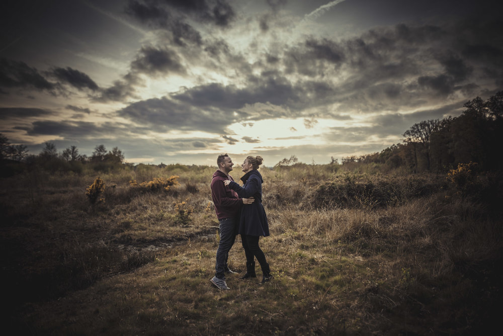 Hannah-and-Sam-Engagement-Sesion-in-Fleet-Pond-Hampshire-Manu-Mendoza-Wedding-Photography-067.jpg