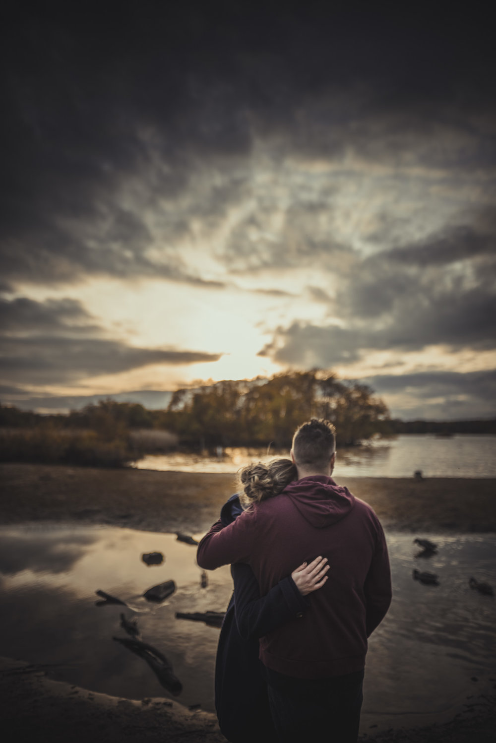Hannah-and-Sam-Engagement-Sesion-in-Fleet-Pond-Hampshire-Manu-Mendoza-Wedding-Photography-081.jpg