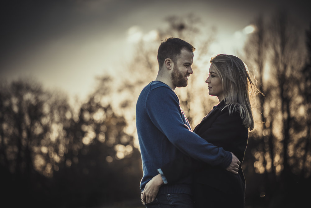 Hannah-and-James-Engagement-Session-Henley-on-Thames-Oxfordshire-Manu-Mendoza-Wedding-Photography-039.jpg