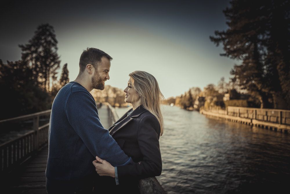 Hannah-and-James-Engagement-Session-Henley-on-Thames-Oxfordshire-Manu-Mendoza-Wedding-Photography-054.jpg