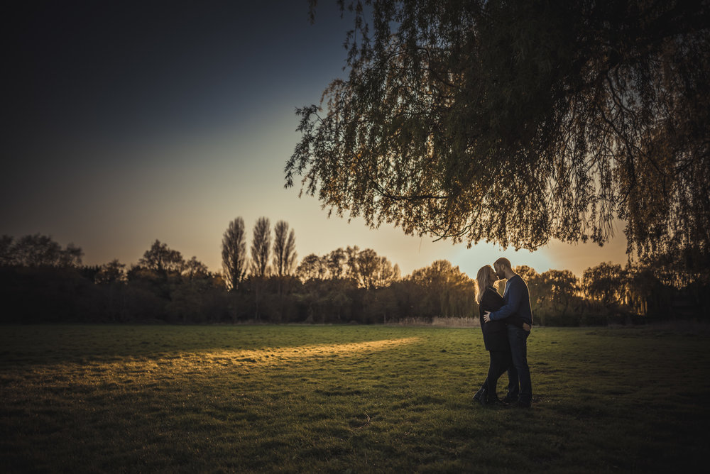 Hannah-and-James-Engagement-Session-Henley-on-Thames-Oxfordshire-Manu-Mendoza-Wedding-Photography-066.jpg