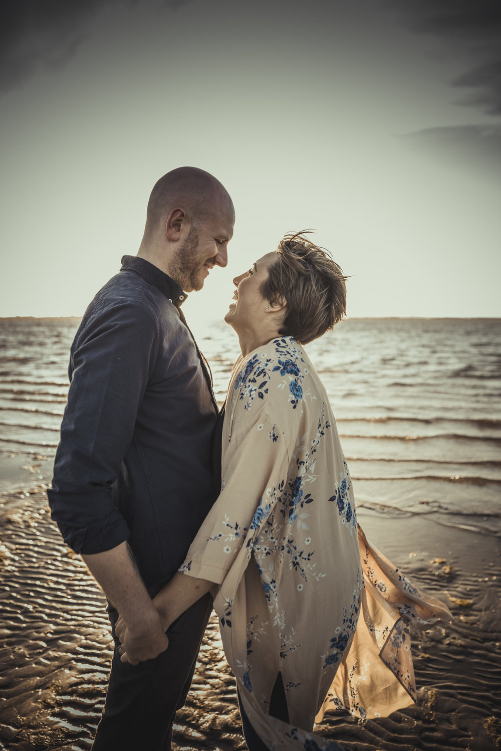 Tara-and-Simon-Engagement-Session- West-Wittering-Beach-West-Sussex-Manu-Mendoza-Wedding-Photography-054.jpg