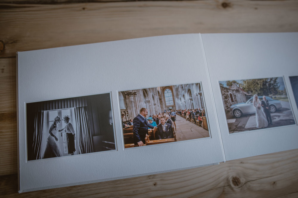 Queensberry-Wedding-Albums-Manu-Mendoza-Wedding-Photography-Basingstoke-Hampshire-001.jpg