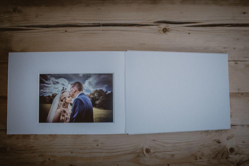 Queensberry-Wedding-Albums-Manu-Mendoza-Wedding-Photography-Basingstoke-Hampshire-009.jpg