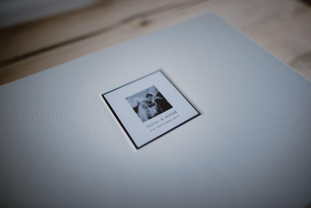 Queensberry-Wedding-Albums-Manu-Mendoza-Wedding-Photography-Basingstoke-Hampshire-011.jpg
