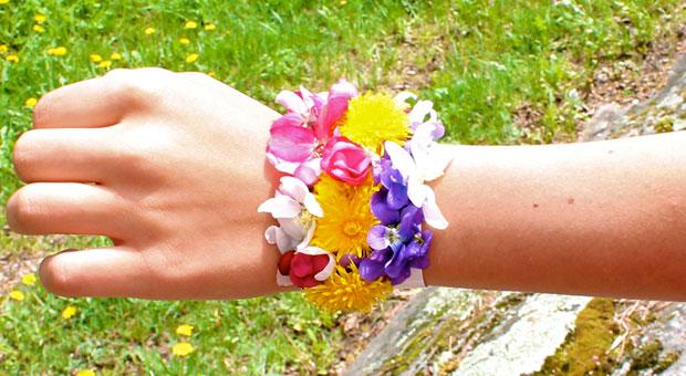Blossom Bracelets from Wonder Kids