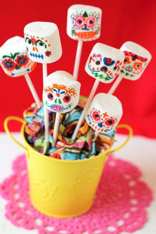 Sugar Skull Marshmallow Pops