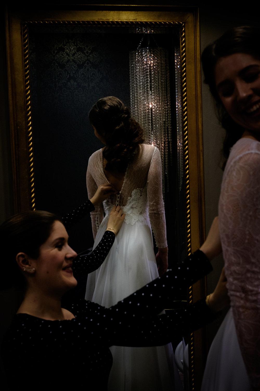 Først en liten tur innom frisøren der denne nydelige kjolen fra Jesus peiro skulle på.