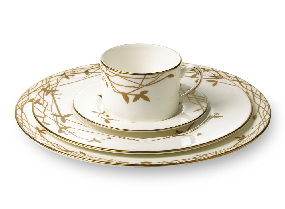 During my time at kate spade, I had the opportunity to be involved in the home collection, particularly designing and illustrating tabletop. Here is a selection of my favorite china patterns, from classic wedding lines to playful holiday sets.  -