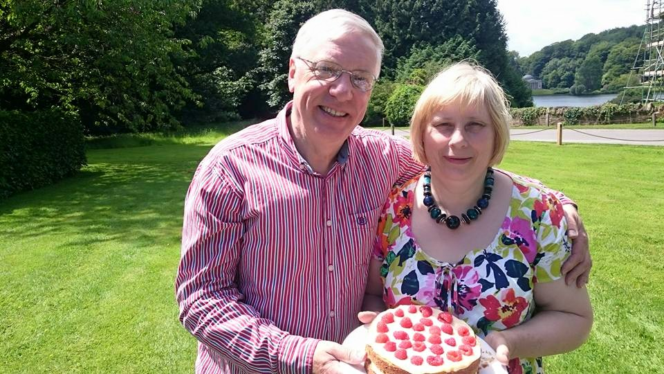 Mum, Dad & the ruby cake