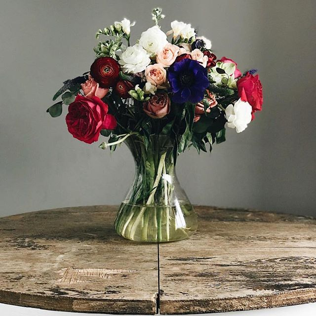 Love this rustic floral look! 💐 #dmvevents #polished #weddingbells #corporate #eventsdc #loveit