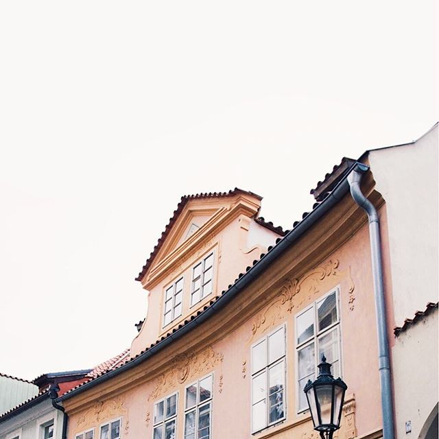 Thinking about Prague.. . . #frowbackfriday #beautifulprague #buildings #czechrepublic #architecture #minimalistphotography #minimalandpale #seekthesimplicity #minimalmood