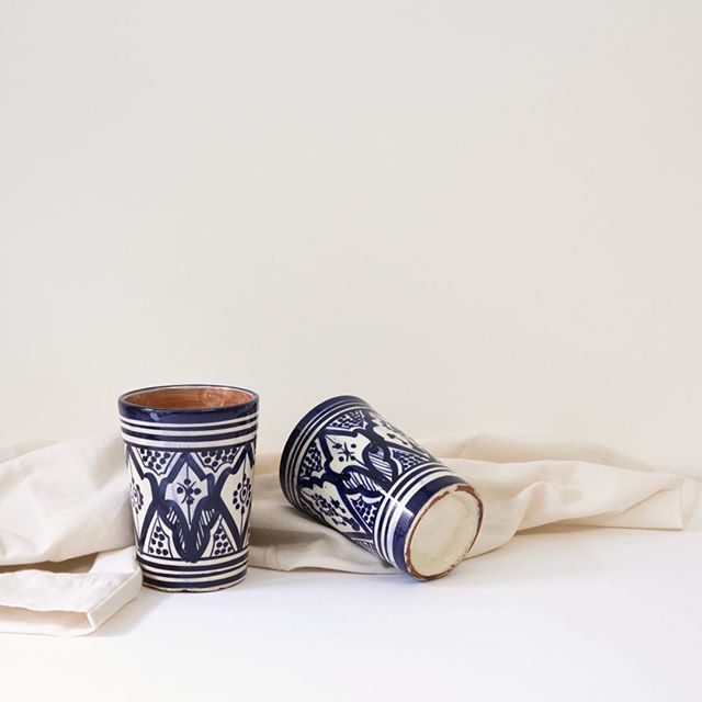 Spanish Mugs on White Cloth. . Found in Palma de Majorca. Hand painted and crafted. Perfect for coffee or beer. Your choice. ⠀ .⠀ .⠀ .⠀ #handpainted #spanishceramics #handmadeceramics #handcrafted #stilllifephotography #stilllife #minaimistphotography