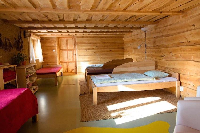 Břízová vícelůžková ložnice   (levnější ubytování)