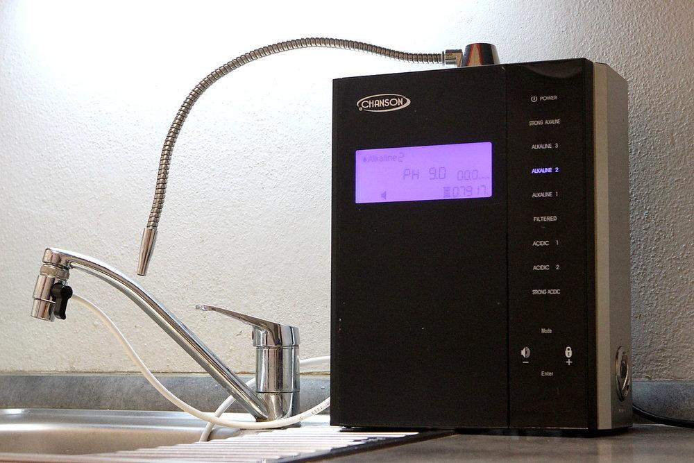 jak-funguje-ionizator-stroj-na-zivou-vodu-2.jpg