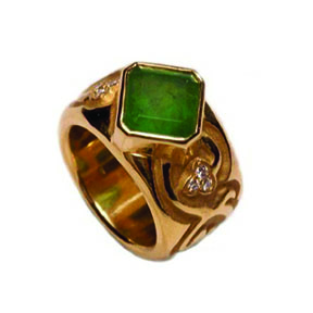 22K Gold , Emerald & Diamond Ring