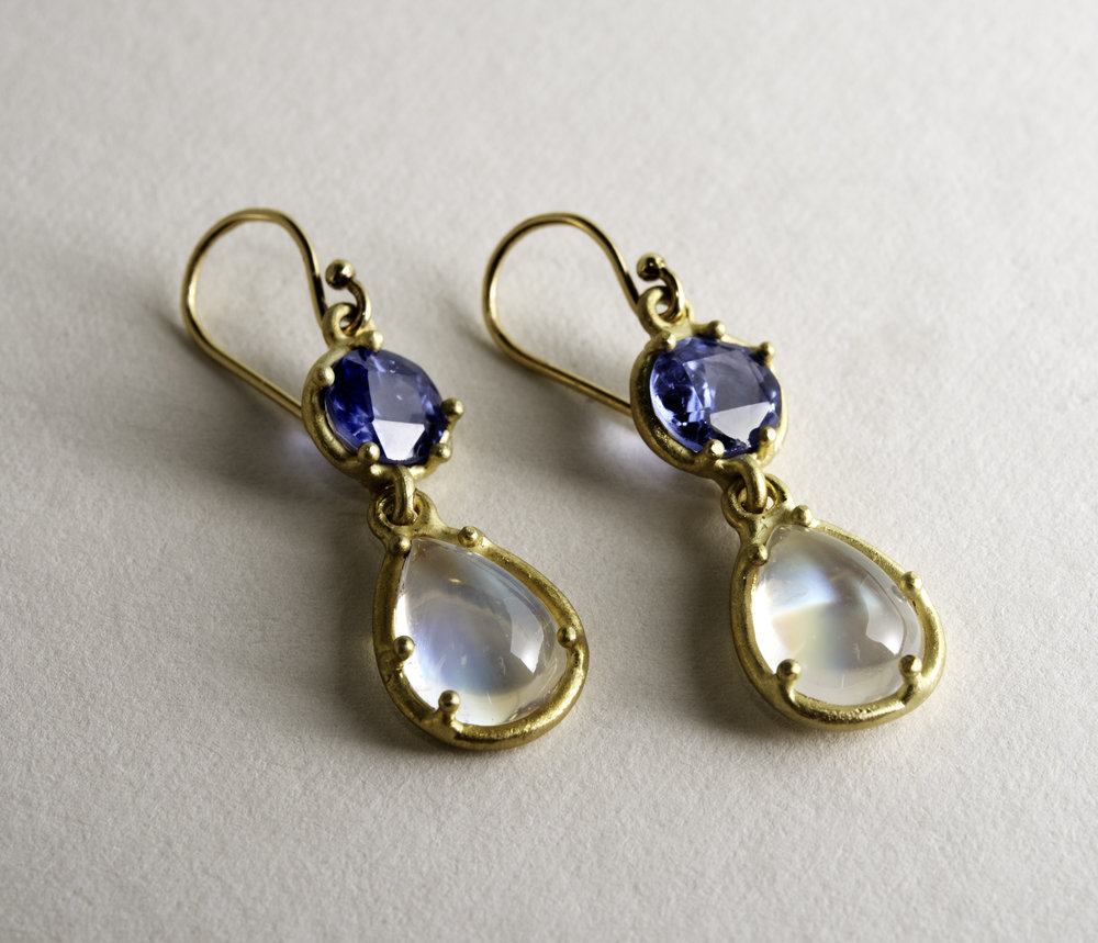 20Kt Sapphire and Moonstone Drop Earrings