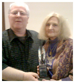 ELISABETH receives her prestigious 2010 Australian Psychic of The Year Award in Sydney, from Simon Turnbull, President of the Australian Psychics Association.