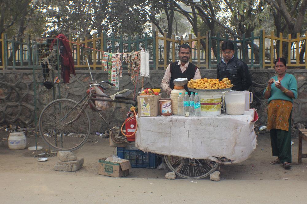 Dalwada vendor, Noida, Uttar Pradesh